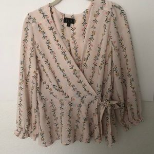 OLM beautiful floral long sleeve blouse. SizeL